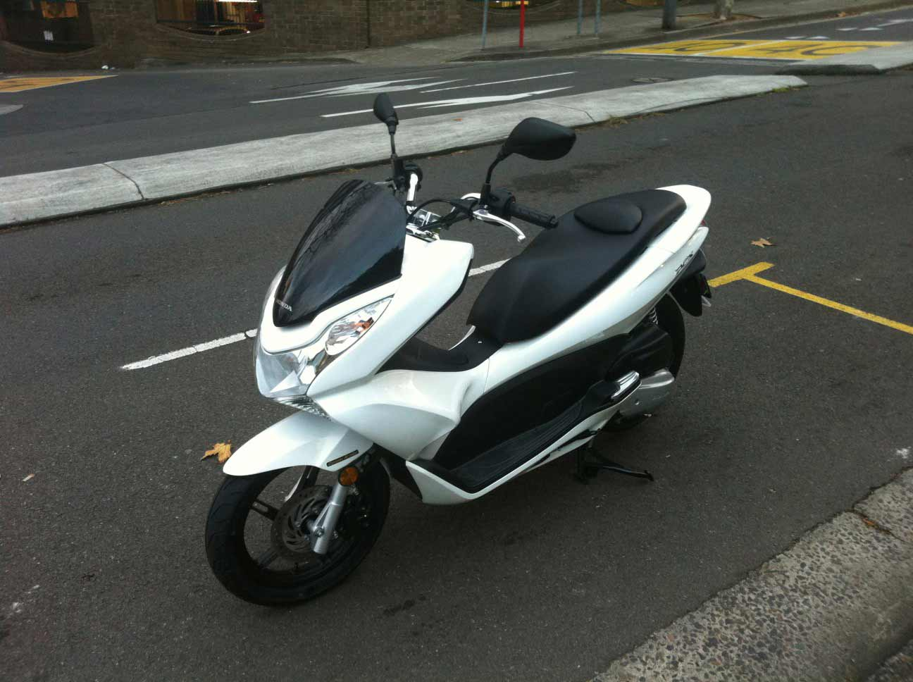 sold 2011 honda pcx 125 for sale 3000 sydney scooter community everything about scooters. Black Bedroom Furniture Sets. Home Design Ideas