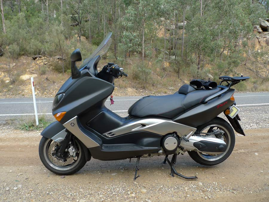 As A Recent Convert To Sports Maxi Ive Found That Yamaha TMAX 500 Is An Ideal Crossover Combining The Benefits Of Scooter With Performance